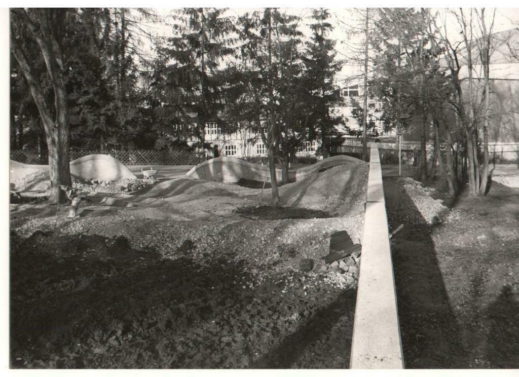 peter-odenwaeller-spiellandschaft-landschaftsplastik-049